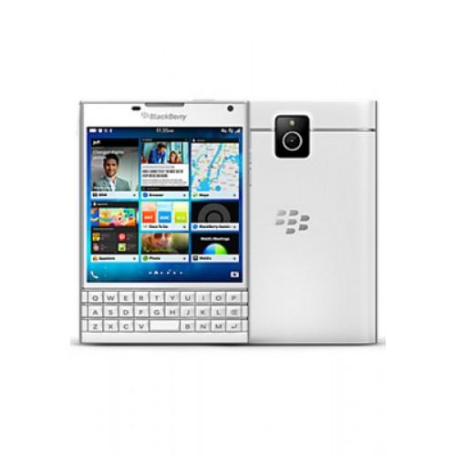 BlackBerry Passport 32GB, 4G LTE English Keypad - White